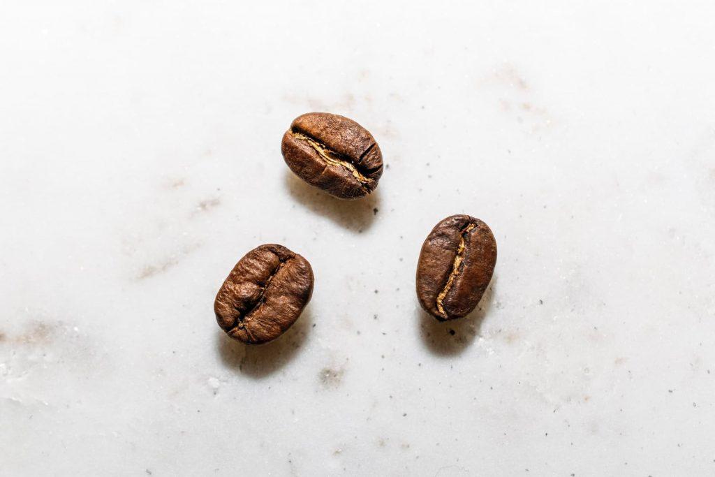 コーヒー豆3粒