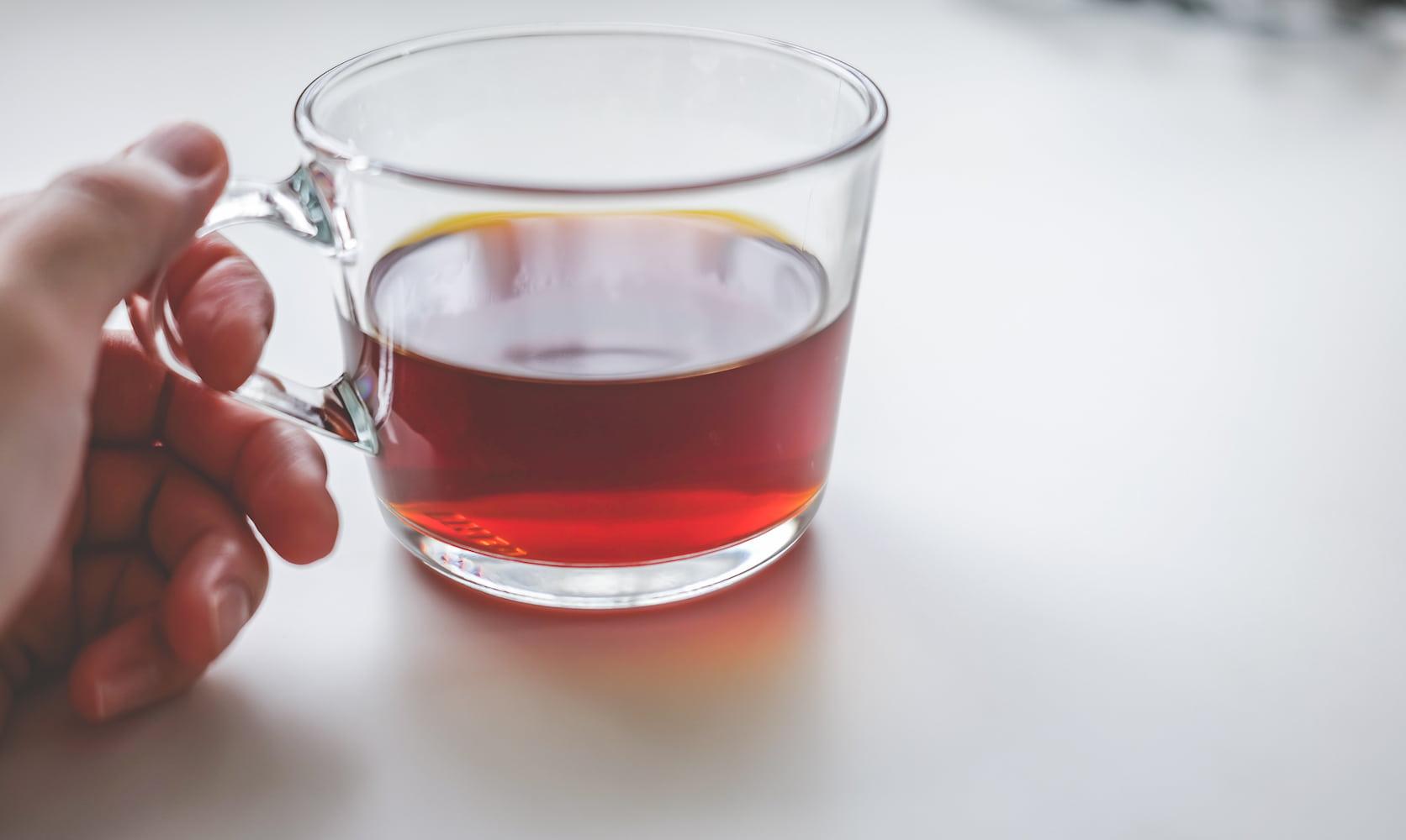 テイラードカフェオンラインストアのコーヒーを飲む
